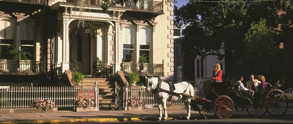 Savannah Carriage Tour and Historic Inn