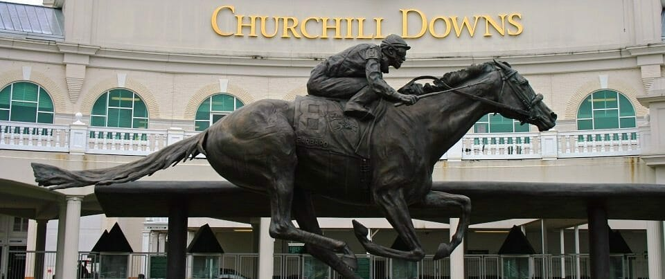 Churchill_Downs_Entrance_Barbaro_Statue